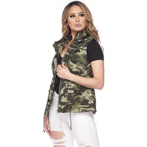 Sporty Chic Camouflage Utility Vest